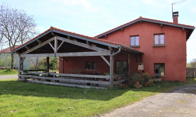 Bâtisse rénovée en 2 logements vue sur les Pyrénées