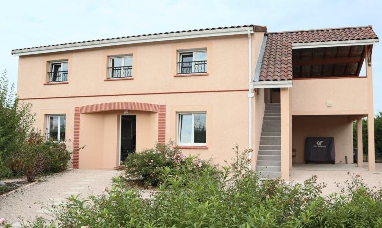 EXCLUSIVITÉ  Grande villa+ studio avec jardin