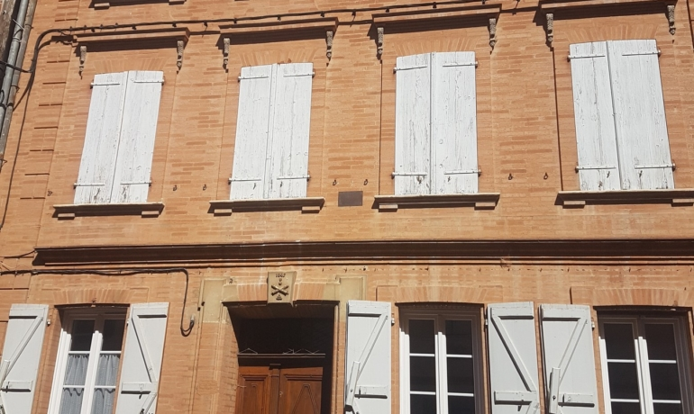 Maison caractère XVIII + sortie 'Chartreuse' + Grand garage